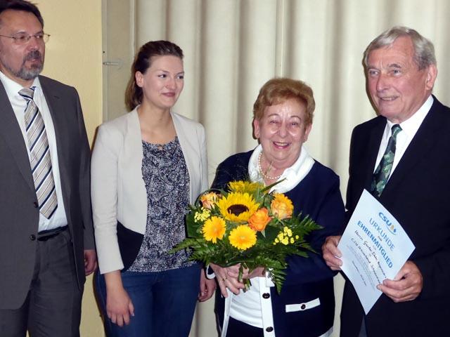 (von rechts) Bürgermeister a. D. und Ehrenmitglied Günter Dehn mit Gattin Gisela, Judith Gerlach, MdL und Ortsvorsitzender Thomas Gerlach