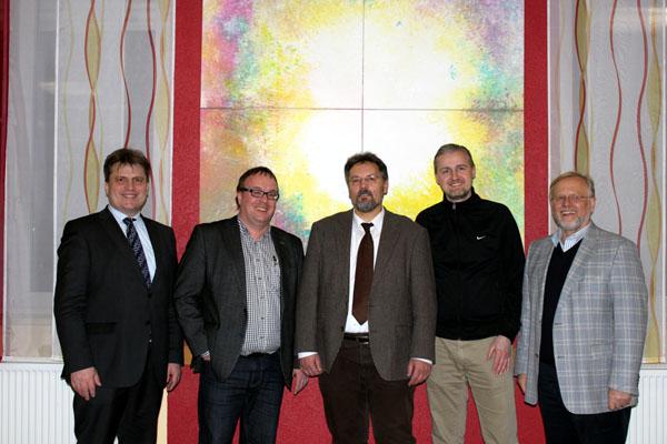 v.l.: Winfried Bausback (MdL, Kreisvorsitzender), Stefan Berchtenbreiter, Thomas Gerlach, Matthias Tübel, Werner Elsässer (Bürgermeister)