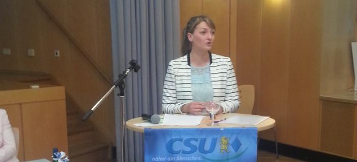 Judith Gerlach berichtet über ihre Arbeit als Landtagsabgeordnete