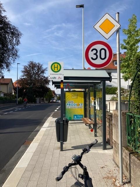 Bushaltestelle Richtung Westen